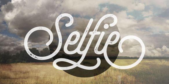 font chữ vintage thanh mảnh mang đậm màu sắc nam mỹ Selfie Regular